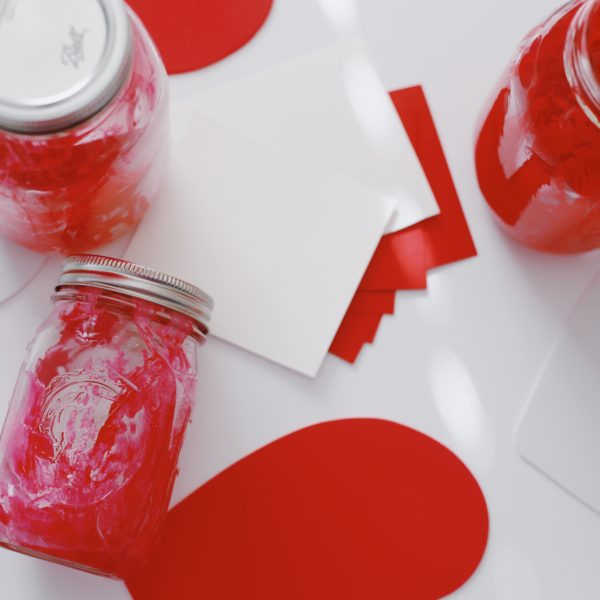 """No Mess"" Toddler Valentine's Day Craft"